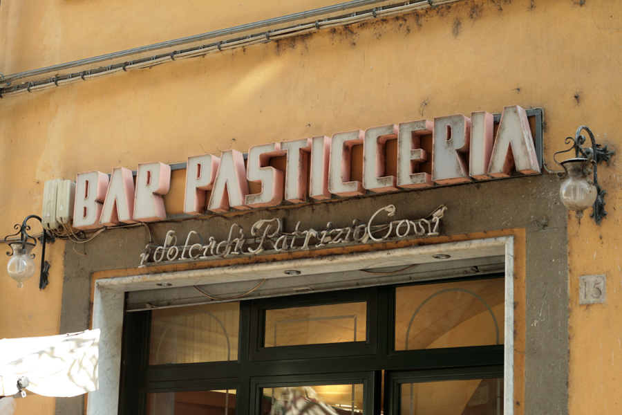 Vernacular Typography Florence Italy 013