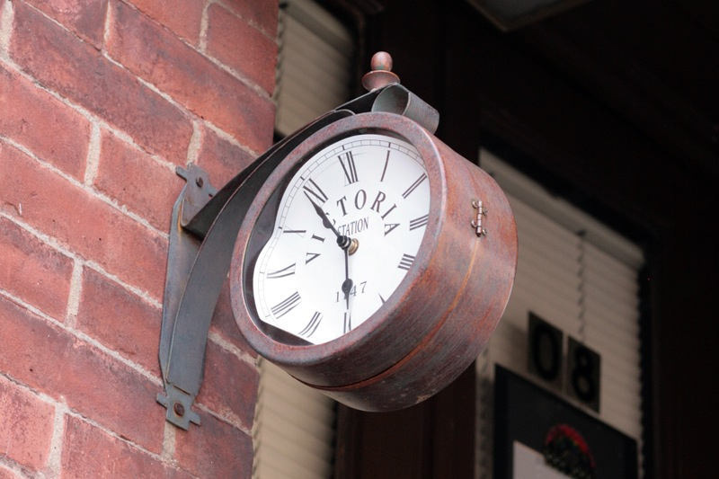 Woodward_Vernacular Typography_Clocks_012