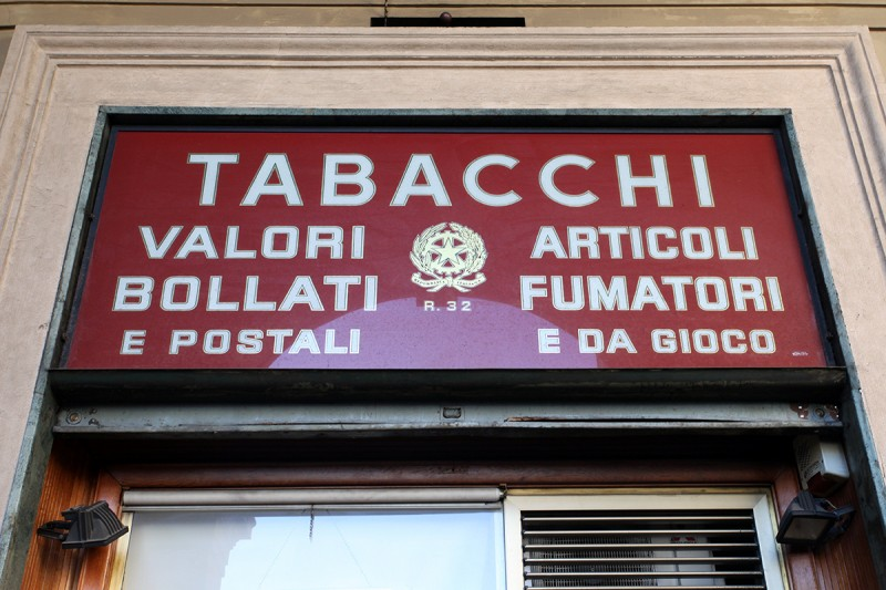 Molly Woodward Vernacular Typography Florence Italy Tabacchi Sign