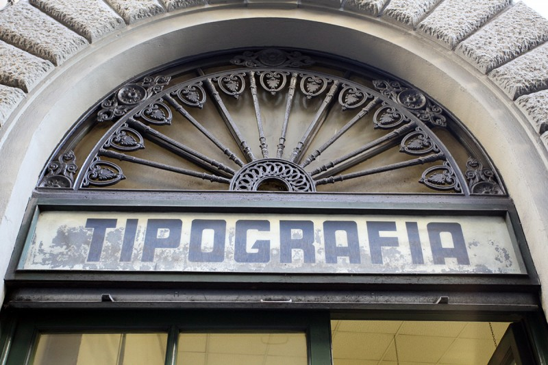 Molly Woodward Vernacular Typography Florence Italy Tipografia Storefront Signage
