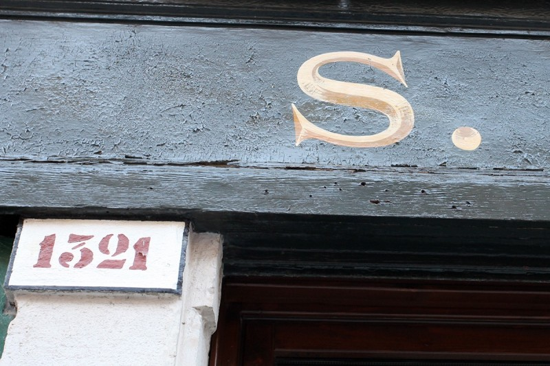 Vernacular Typography Venice Italy Hand Painted Shadow S Lettering